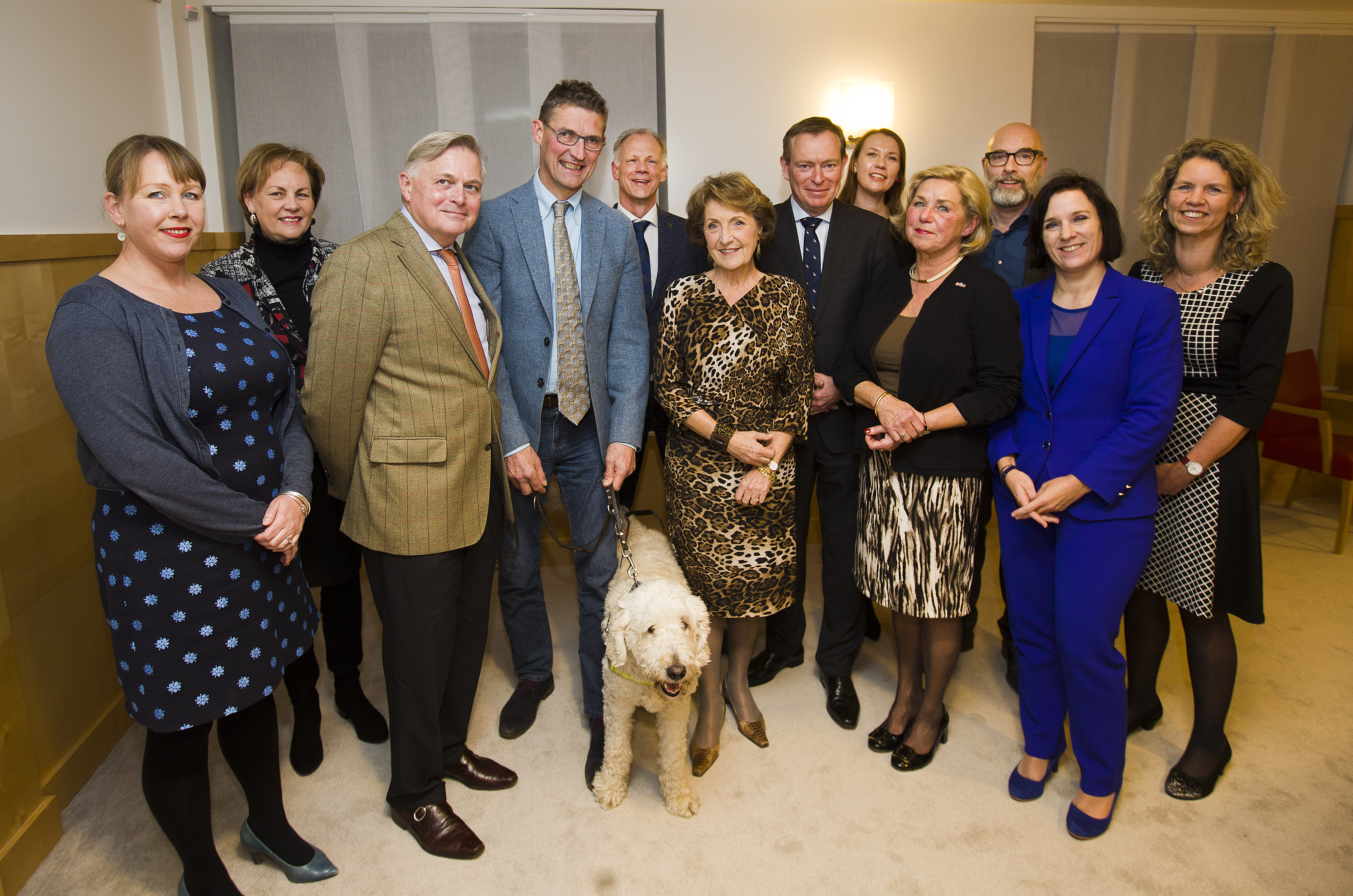 Gezelschap met minister Bruins en prinses Margriet.